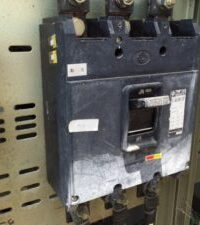 発電機 非常用発電機 入れ替え 更新 工事 経年劣化 故障 修理 遮断器 変質 整備
